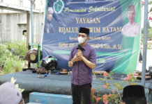 Wakil Wali Kota Batam, Amsakar Achmad meresmikan gedung Yayasan Rijalul Qowin Batam, di Kampung Tua Sei Binti, Sagulung.