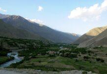 Pemandangan di Lembah Panjshir, Afghanistan, yang diabadikan pada 21 Mei 2011 oleh angkatanbersenjata Amerika Serikat (AS).(USAF via WIKIMEDIA)