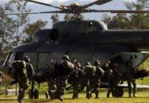 KKB dan aparat TNI-Polri kontak senjata di Kiwirok, Papua, pada Minggu (26/9) pagi. Satu orang anggota Brimob meninggal dunia terkena tembakan. Ilustrasi. (ANTARA FOTO/Iwan Adisaputra).