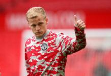 Agen Donny van de Beek marah kepada MU karena menilai klub tersebut memblokir keinginan Everton untuk meminjam pemain Belanda itu. (Foto dari talkSPORT)