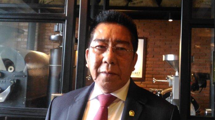 Anggota DPR RI, Henry Yosodiningrat