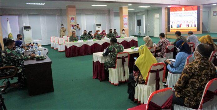 rapat evaluasi PPKM level 3, di aula Sultan Sulaiman Badrul Alamsyah, kantor wali kota Tanjungpinang, Kamis (2/9/2021).