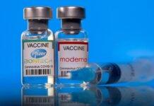 Vaksin Pfizer-BioNTech dan Moderna mengandalkan platform mRNA yang sama. Yang pertama dianalogikan sebagai palu besar, dan yang kedua disebut palu godam. (FOTO: REUTERS via ST)