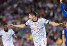 Penyerang Bayern Munich Robert Lewandowski mencetak dua gol dalam kemenangan 3-0 atas Barcelona pada laga pembuka Grup E Liga Champions 2021/22 di Camp Nou, Selasa (14/9/2021). (Livescore)