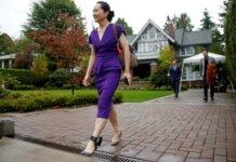 CFO Huawei Meng Wanzhou telah dikurung di rumahnya yang mahal di Vancouver pada malam hari dan dipantau 24/7 oleh keamanan swasta yang dia bayar sebagai bagian dari perjanjian jaminannya terkait dengan kasusnya [File: Lindsey Wasson / Reuters]