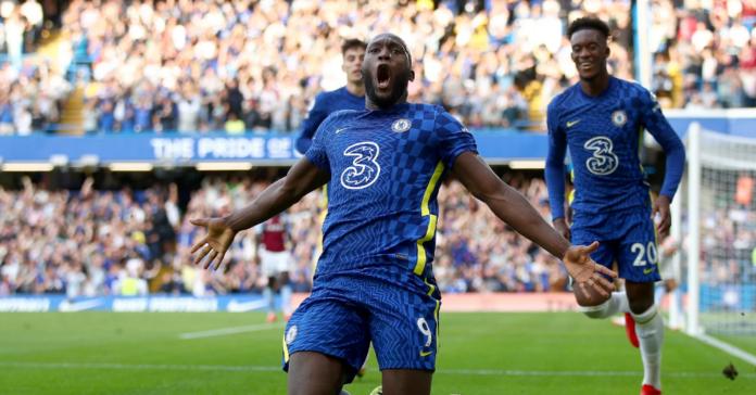 Romelu Lukaku mencetak dua gol menjadi King of The Match dalam kemenangan 3-0 kontra Aston Villa di Stamford Bridge, Sabtu (11/9/2021). Ini kali kedua dia meraih status itu dalam tiga laga yang sudah dimainkannya pada musim 2021/22 ini. (Foto: Chelseafc.com)