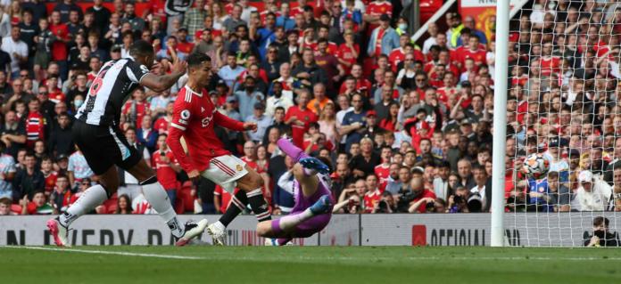Cristiano Ronaldo mencetak dua gol dalam kemenangan 4-1 atas Newcastle United di Old Trafford, Sabtu (11/9/2021). (manutd.com)