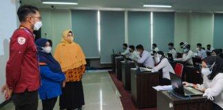 peserta seleksi Calon Aparatur Sipil Negara (CASN) di Lingkungan Pemerintah Kota Tanjungpinang. Bertempat di gedung CAT BKPSDM Lt. 5, Senggarang, Sabtu (25/9/2021).