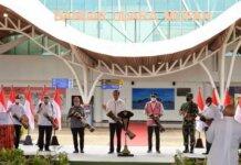 Presiden Jokowi meresmikan terminal baru Bandara Mopah di Kabupaten Merauke, Papua, Minggu, 3 Oktober 2021. Foto: Kemenhub