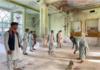 Serangan itu terjadi di masjid Bibi Fatima, Kandahar, Afghanistan, Jumat (15/10/2021), menewaskan sedikitnya 47 jemaah yang sedang salat Jumat. [Javed Tanveer/AFP]