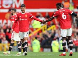 Paul Pogba mengungkapkan bahwa dia suka bermain di Manchester United dan senang bermain bersama Cristiano Ronaldo. Sinyal bertahan? (Foto oleh Clive Brunskill/Getty Images via weallfollowunited.com)