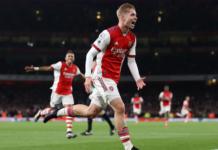 Gelandang Arsenal Emile Smith-Rowe melakukan selebrasi usai mencetak gol ke gawang Aston Villa pada pekan ke-9 Liga Premier Inggris di Stadion Emirates, Sabtu (23/10/2021). Smith Rowe mencetak satu gol dan satu assist dalam kemenangan 3-1 ini. (Foto: premierleague.com)
