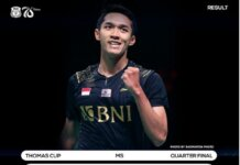 Jonatan Christie memastikan kelolosan Indonesia ke semifinal Thomas Cup 2020 usai mengalahkan tunggal Malaysia Ng Tze Yong lewat tiga set: 14-21, 21-19, 21-16. (Foto: Instagram)