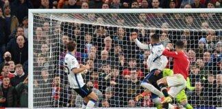 Bek kiri Luke Shaw mengayunkan umpan silang dan Cristiano Ronaldo melompat dengan angkuh dan menanduk bola ke sudur bawah gawang Atalanta yang dikawal Juan Musso, membuat Manchester United memenangkan laga ke-3 penyisihan Grup F Liga Champions dengan skor 3-2 di stadion Old Trafford, Rabu (20/10/2021) atau Kamis dinihari waktu Indonesia. (Foto: Uefa.com)