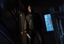 """Gambar yang dirilis oleh Universal Pictures ini menunjukkan karakter Michael Myers dalam """"Halloween Kills,"""" disutradarai oleh David Gordon Green. (Ryan Green/Gambar Universal via AP)"""