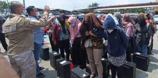 Karyawan Pinjol di Sleman yang sempat ditangkap Polda Jabar/Foto: Dony Indra Ramadhan