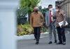 Menteri Kominfo Johnny G Plate bersama Ketua Dewan Komisioner Otoritas Jasa Keuangan (OJK) Wimboh Santoso, dan Menteri ATR/Kepala BPN Sofyan Djalil. (Kemenkominfo)