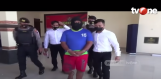 Pelatih bola voli di Demak, Jawa Tengah, dicokok polisi karena mencabuli 13 anak didik, seorang di antaranya sekarang hamil 8 bulan. (tangkapan layar TVOne)