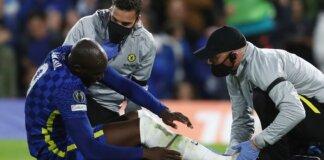 Romelu Lukaku diganti setelah beberapa menit perawatan sebelum turun minum dan menghilang langsung ke terowongan dalam kemenangan Chelsea 4-0 atas Malmo pada penyisihan Grup F Liga Champions 2021/22 di Stamford Bridge. (Sky Sports)