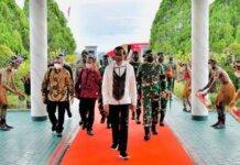 Presiden Joko Widodo tiba di Papua (foto: Biro Pers Kepresidenan)